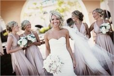 I love the nude color on the bridesmaids! And with champagne or blush pink accents? Yes, please!