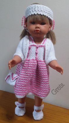 zelf gemaakt voor mijn pop:Antonio Juan-Bella-43cm-wit-roze jurk, haarband en tasje patroon uit Andrea 522special