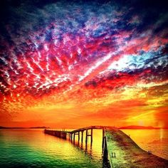Into a brilliant Colorful Sunset*WOW looks so magnificent!Splendor of all these colors. Wow!!