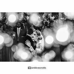 Fechando os olhos e pedindo pro tempo passar bem devagarinho...  Foto: @candidavasconcellos (Candida Vasconcellos)  Casamento Ana Laura e Yuri  Conheça mais do nosso trabalho em:   www.candidavasconcellos.com.br