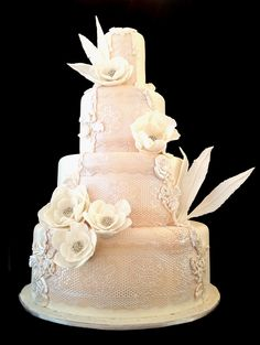 Wedding cake, edible lace design in the front By Yelda Ozderici @ Art Cafe Istanbul