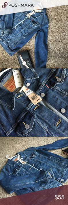 Levis jeans jacket I guess everyone need jacket these days fall is coming soon!!! 💙 always cheaper Ⓜ️ Levi's Jackets & Coats Jean Jackets