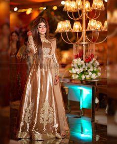 Nikkah Dress, Pakistani Formal Dresses, Pakistani Wedding Outfits, Pakistani Dress Design, Indian Dresses, Stylish Dresses For Girls, Stylish Dress Designs, Wedding Dresses For Girls, Pakistani Bridal Couture