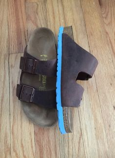 9c1f94257818 Authentic Birkenstock Arizona Sandals Habana brown leather with blue sole  Size 38 Narrow filled in footprint