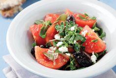 Ντοματοσαλάτα νησιωτική | Συνταγή | Argiro.gr Food Categories, Caprese Salad, Cantaloupe, Fruit, Recipes, Drink, Tomato Salad, Salads, Island