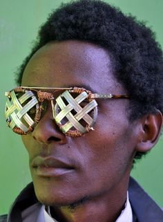 Really awesome glasses! Love the cross hatching and the copper coils around it.