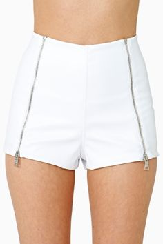 Strut your stuff in high-waisted shorts, denim cutoffs, lace shorts, hot pants & more! Shop womens shorts at Nasty Gal, for casual days or crazy nights out. Trendy Clothes For Women, Trendy Outfits, Pants For Women, Fashion Outfits, Teen Fashion, Trendy Clothing, Leather Shorts, Lace Shorts, White Shorts