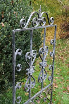 Clematis, Door Handles, Home Decor, Window Bars, Garden Fencing, First Aid, Handmade, Decoration Home, Room Decor
