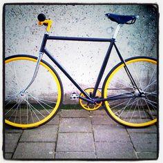 My bike ... #fixie #fixedgear #rotterdam #1978 #black #yellow - @bijdevleet- #webstagram