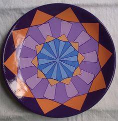 Stile #geometrico. piatto ornamentale terracotta di #MITOliberty