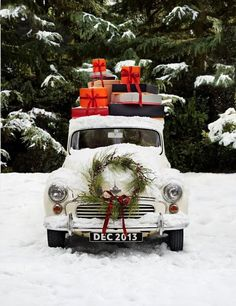 Perfect presents and a Wreath for the car #winter #wreath