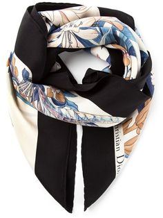 45646c6ce9aa Christian Dior Vintage Floral Print Scarf - Dressing Factory - Farfetch.com  Foulard, Soie