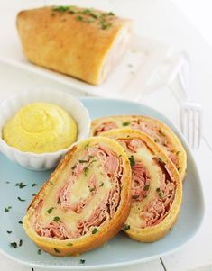 Make Baked Ham and Cheese Rollups - 100 Quick and Delicious 3 Ingredient Recipes You'll Love - DIY & Crafts Ham Cheese Rolls, Ham And Cheese Roll Ups, Baked Cheese, Ham Rolls, Roll Ups Recipes, Easy Recipes, 3 Ingredient Recipes, Good Food, Yummy Food