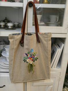 자수가방 Embroidery Purse, Embroidery Stitches, Embroidery Patterns, Fabric Crafts, Sewing Crafts, World Crafts, Art Bag, Bag Organization, Handmade Bags
