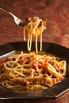 Chanterelle Ragu - has bacon and chicken stock but easy to turn vegetarian (thought the bacon would be missed! Italian Food Menu, Best Italian Recipes, Italian Dishes, Favorite Recipes, Italian Foods, Paella, Chanterelle Recipes, Lotsa Pasta, Stuffed Mushrooms