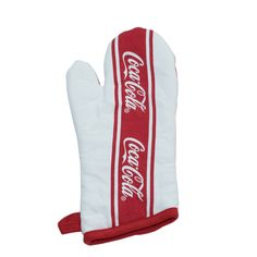 This charming oven mitt is a perfect addition to your kitchen décor. Features the Coca-Cola script logo on the front and a loop for hanging. Coca Cola Gifts, Coca Cola Store, Coca Cola Decor, Coca Cola Merchandise, Coca Cola Kitchen, Always Coca Cola, World Of Coca Cola, Disney Food, Disney Recipes