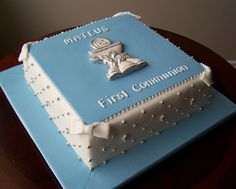 First Communion cake | Flickr: Intercambio de fotos