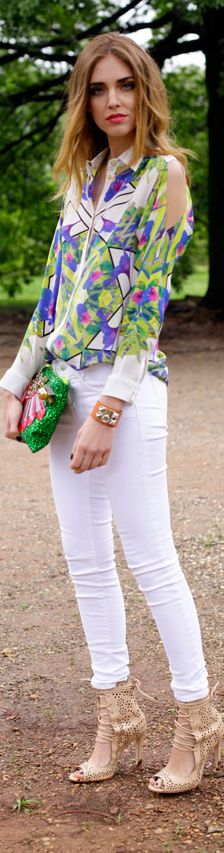 Cold shoulder printed top, white jeans, statement heels<3 http://www.studentrate.com/fashion/fashion.aspx