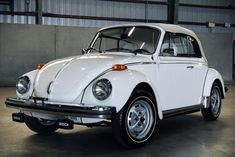 Bid for the chance to own a 1979 Volkswagen Super Beetle Cabriolet at auction with Bring a Trailer, the home of the best vintage and classic cars online. Vw Cabrio, Vw Super Beetle, Beetle Convertible, Alpine White, Car Volkswagen, Import Cars, Fuel Injection, Classic Cars Online, Vw Beetles