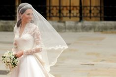 I absolutely love Kate Middleton's wedding dress.