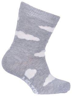 Șosete din bumbac cu imprimeu nori, de foarte bună calitate de la Melton. Șosetele se potrivesc perfect, iar culoarea rămâne în țesătură spălare după splălare.   Combinația ideală pentru cei mici: șoseta fină, călduroasă și confortabilă.  Material: 80% bumbac, 15% poliamidă, 5% elastan.  Mărimi disponibile: 17/19-39/41.  Vă rugăm să respectați instrucțiunile de spălare și îngrijire.  Vă recomandăm să utilizați un detergent pentru haine delicate. Cloud Lights, Socks, Clouds, Grey, Fashion, Bamboo, Gray, Moda, Fashion Styles