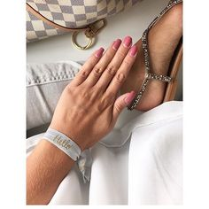 FUNNYBUNNIES -H E L L O, is it me you looking for? Beautiful @uniquejules choose the grey one from Set HELLO! for this amazing pic. We ❤️ this one!! 👏👏👏 #funnybunnies #hairties #hairbands #armcandy #bracelet #armband #haargummi #amazing #besutiful#instaphoto #imstadaily #fashionista #details #vegan #accessories #supersoft #elastisch #blogger_de #grey #hello #weekend