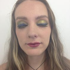Egyptian makeup gorgeous gold and blue colours on the wyes to create intensity