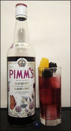 PimmsBlackberryElderflower - a fabulous autumnal drink with lemonade and a splash of ginger ale!