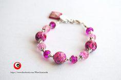 Bracelet with fuchsia speckled stones and swarovski di WoWArteModa, €9.90