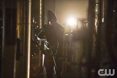 "Arrow -- ""Unthinkable"" -- Image AR223b_ 0215b -- Pictured: Stephen Amell as The Arrow -- Photo: Cate Cameron/The CW -- � 2014 The CW Network, LLC. All Rights Reserved.pn"
