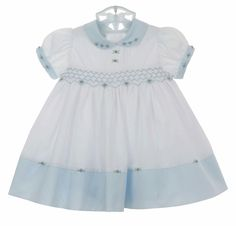 Blue and white dress Toddler Girl Dresses, Little Girl Dresses, Smocked Baby Clothes, Smocked Dresses, Stephane Rolland, Baby Girl Portraits, Smocking Baby, Bebe 1 An, Punto Smok