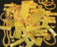 ในการลงทุนทองคำ หรือการซื้อขายทองคำนั้น มีให้เราเลือกได้ลงทุนอย่างหลากหลาย แต่วันนี้เราจะขอนำเสนอการลงทุนทองคำ กับทองคำสองประเภทคือ ทองคำแท่ง และทองรูปพรรณ ซึ่งก่อนที่เราจะลงทุนประเภทไหน จะต้องทำการศึกษาให้ดีถึงข้อดี ข้อเสีย ให้ดีเสียก่อน ก่อนทำการลงทุน ดังนั้นเราควรไปดูกันก่อนเลยว่า การลงทุนทองคำแท่ง กับทองคำรูปพรรณ มันแตกต่างกันอย่างไร