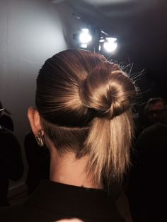 Jonathan Saunders FW15 knotted ponytail by Luke Hersheson.