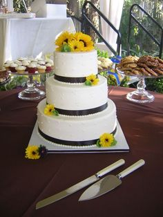 Beautiful and simple...with whatever color we choose on the ribbons
