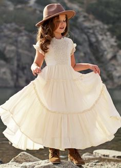 Baby Girl Dresses, Baby Dress, Cute Dresses, Flower Girl Dresses, What To Wear Fall, Sweetheart Dress, Petite Outfits, Lace Applique, Flutter Sleeve