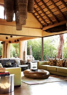 Main Lodge Lounge www.molori.com/safari