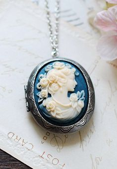Victorian Vintage Inspired Antiqued Silver Oval Locket with Azure Blue Ivory Large Lady Cameo Locket Necklace, Jewelry Gift for Christmas Antique Silver, Antique Jewelry, Vintage Jewelry, Antique Necklace, Antique Jade, Silver Jewelry, Vintage Locket Necklace, Handmade Jewelry, Silver Rings