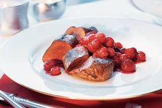 Kijk wat een lekker recept ik heb gevonden op Allerhande! Hazenrugfilet met cranberrysaus Eat Smarter, Sausage, French Toast, Food And Drink, Cooking, Breakfast, Game, Pictures, Spice