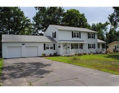 4 Bedrooms, 2.5 Bathrooms :: Home for sale in South Hadley, MA MLS# 71401437. Learn more with The Kevin Moore Group