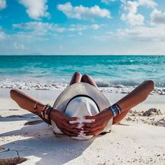 BEACH ideas para tomarse fotos en la playa How Pool Cleaning Robots Can Work You It used Summer Pictures, Beach Pictures, Travel Pictures Poses, Random Pictures, Amazing Pictures, Beach Bum, Summer Beach, Summer Art, Beach Relax