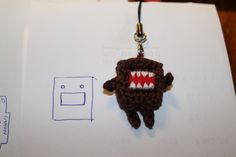 Mobile charm-Domo.instructions in English at bottom of page.