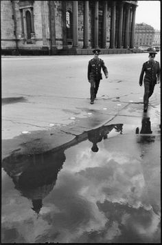 Henri Cartier-Bresson // SOVIET UNION. Russia. Leningrad. 1973. In front of Saint Isaac's Cathedral.