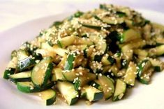 Fried courgette with sesame seeds Fruit Recipes, Tossed, Food Inspiration, Love Food, Zucchini, Fries, Lunch Box, Food And Drink, Favorite Recipes