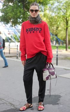 red kenzo girl street style fashion