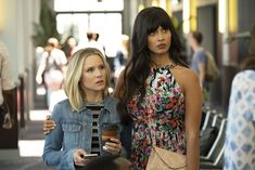 THE GOOD PLACE Season 3 Episode 6 Photos The Ballad Of Donkey Doug Jason visits with some people from his past while Chidi gets help in resolving a problem The Good Place Episodes, The Good Place Cast, Cute Couple Quotes, Netflix, Manny Jacinto, Tv Shows Funny, Kristen Bell, 6 Photos, Tall Women