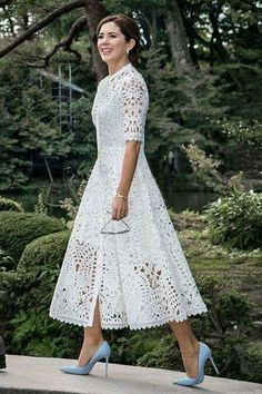 38 Popular Lace Dress Ideas Surely You Want To Wear It - There are numerous plans of dresses that will consistently be in style consistently. Lace semi-formal dresses are perhaps the most established style f. Trendy Dresses, Elegant Dresses, Beautiful Dresses, Casual Dresses, Fashion Dresses, Maxi Dresses, Awesome Dresses, Linen Dresses, Wedding Dresses
