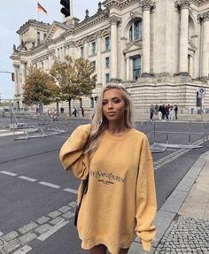 Tammy Hembrow in Germany Ysl, Trendy Outfits, Cute Outfits, Fashion Outfits, Womens Fashion, Fashion Tips, Ladies Fashion, Fall Outfits, Fashion Trends