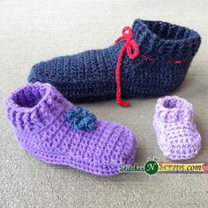 The free, Non-Stop Slippers crochet pattern is available in a total of 9 sizes, from infant all the way up to adult, so you can make a pair for everyone!