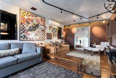 Decoração de: Sala de estar; espelho apoiado na parede; Casa de Valentina