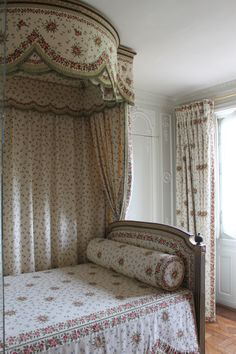 French Perfection! Trianon.